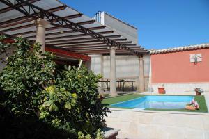Zonas comunes, piscina y barbacoa - Las Doncellas